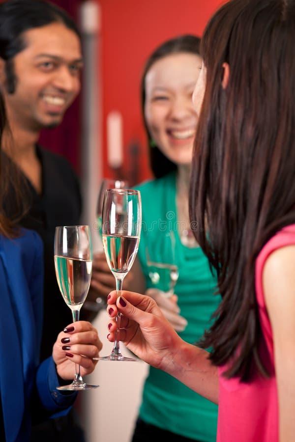 Brinde com bolhas. fotografia de stock