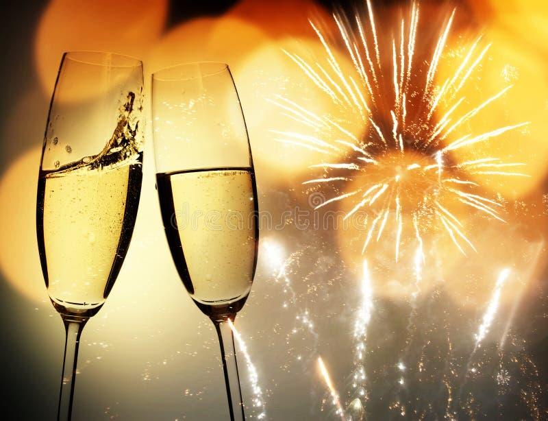 Brinde com vidros do champanhe imagens de stock royalty free