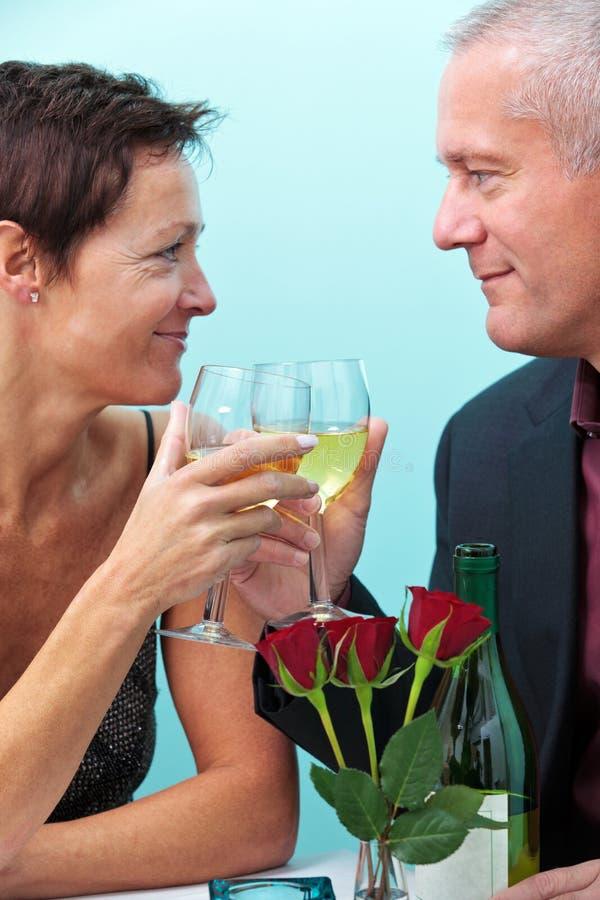 Brinde romântico foto de stock royalty free