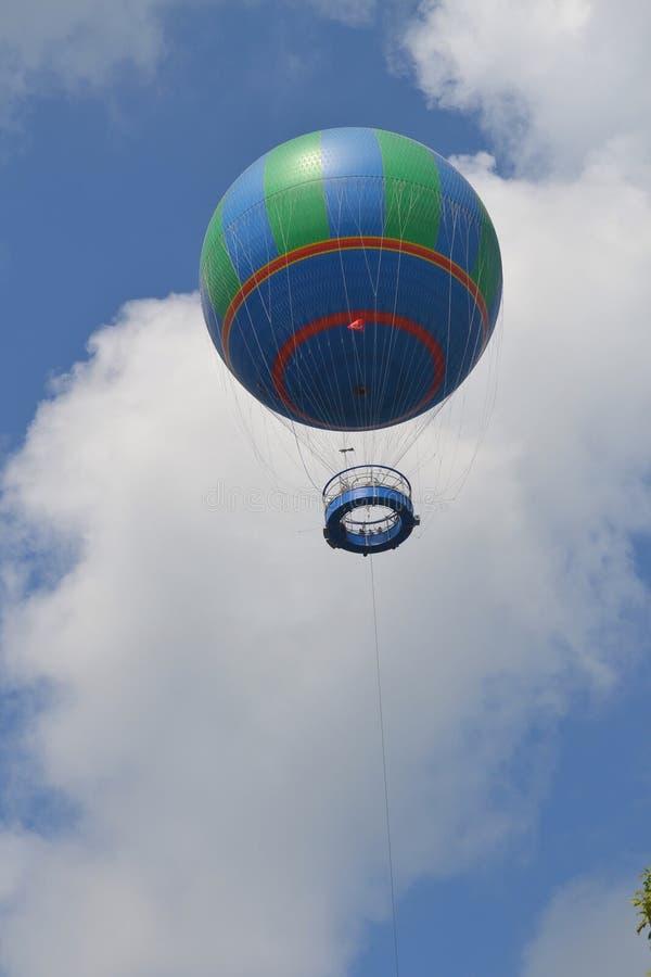 Bringen Sie Ballon zur Sprache lizenzfreies stockbild
