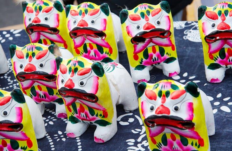 Brinquedo do figurine da argila do tigre foto de stock royalty free