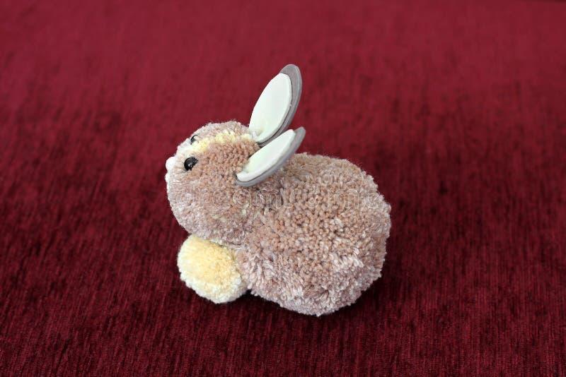 Brinquedo macio 'coelho ' Um brinquedo fotografia de stock