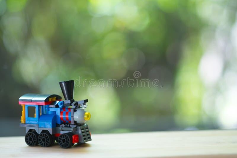 Brinquedo plástico colorido do trem imagem de stock