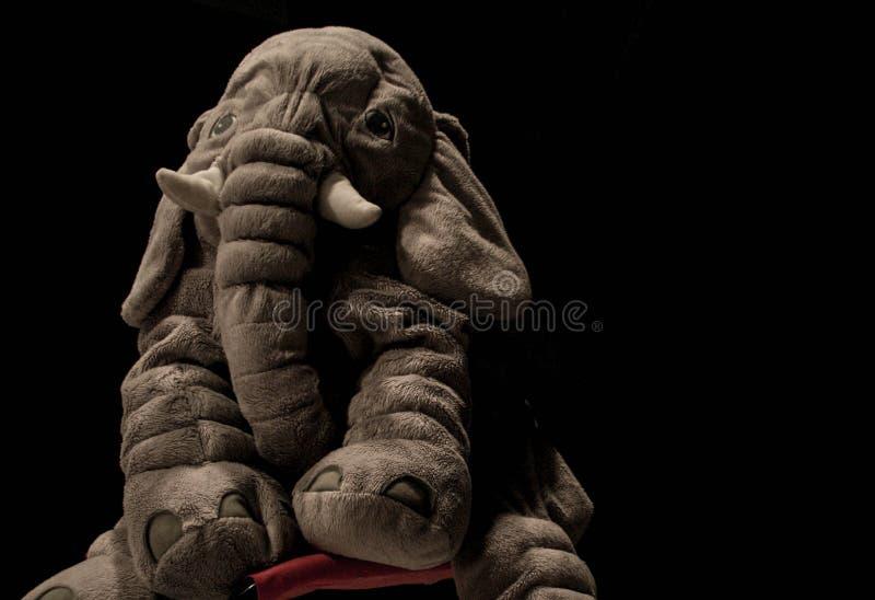 Brinquedo triste do elefante imagens de stock royalty free