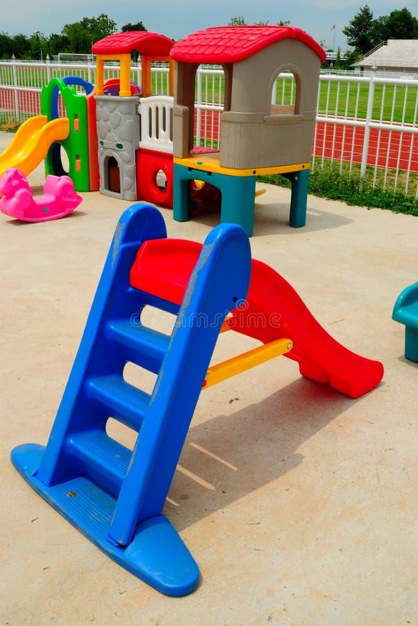Brinquedos ao ar livre para crianças imagem de stock