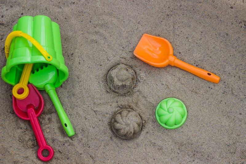 Brinquedos da praia do ` s das crianças fotografia de stock royalty free