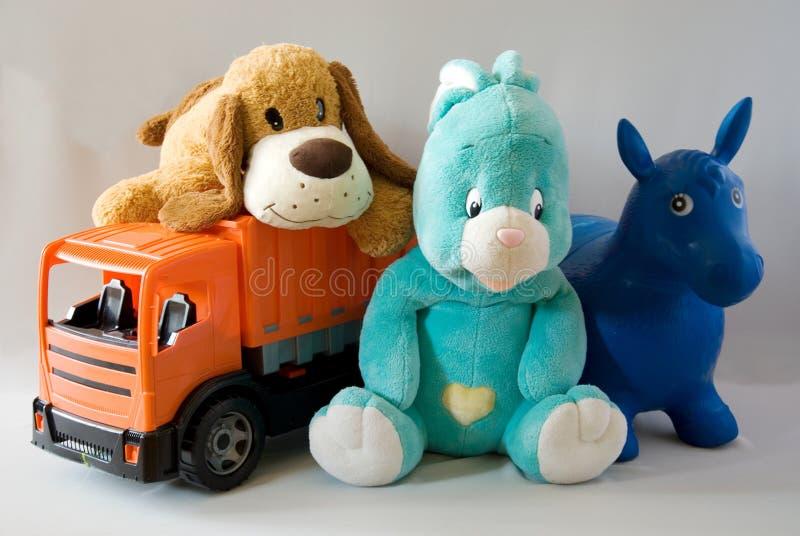 Brinquedos - família alegre fotografia de stock royalty free