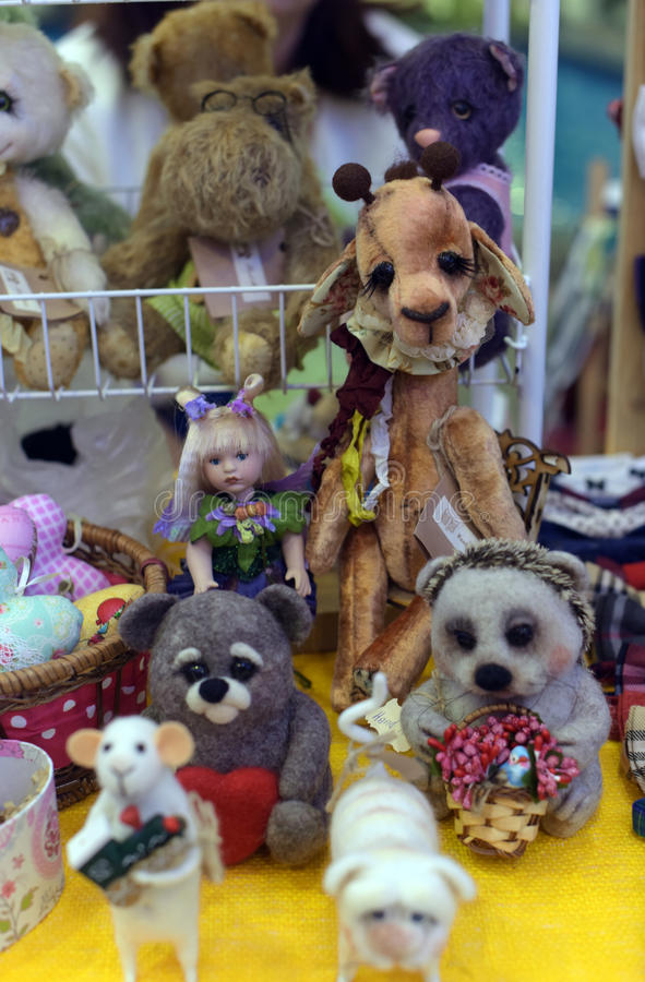 Brinquedos feitos a mão imagens de stock