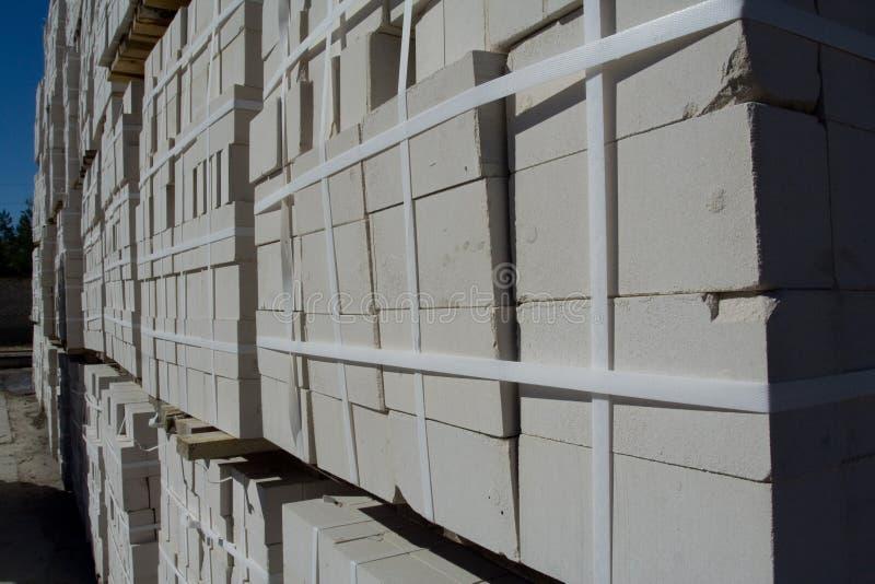 Brique blanche de silicate d'entrepôt photo stock