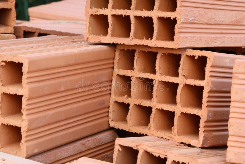 Briques creuses d'argile images libres de droits