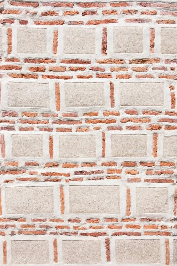 Briques - grandes et petites photo stock