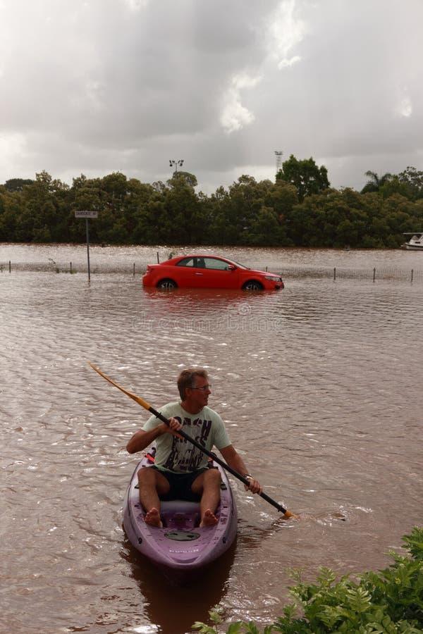 BRISBANE, AUSTRÁLIA - JANEIRO 12: Inundação fotos de stock