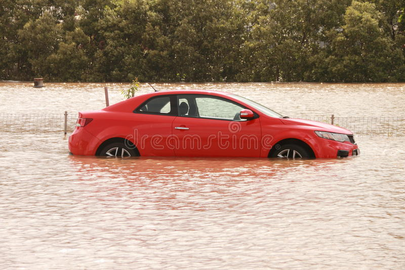 BRISBANE, AUSTRÁLIA - JANEIRO 12: Inundação imagens de stock