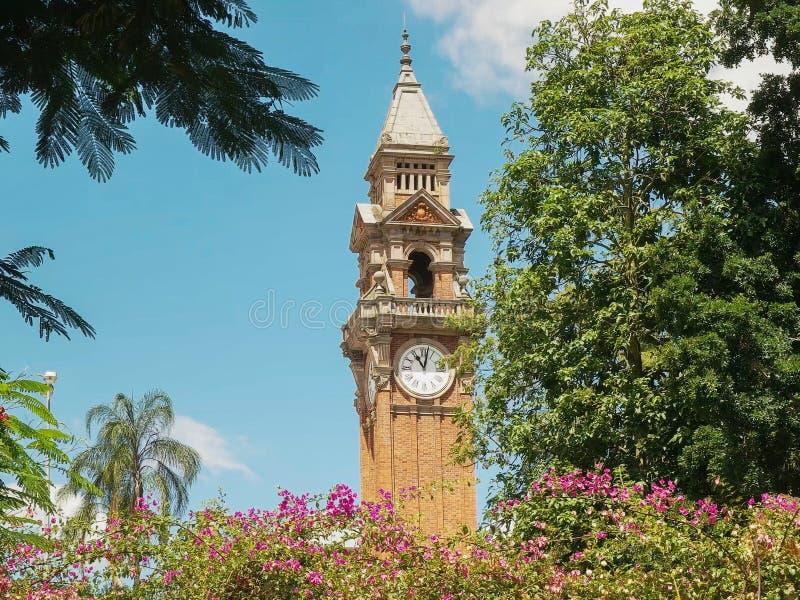 BRISBANE, 7 AUSTRALIË-MAART, 2017: het stadhuisklokketoren van Brisbane in Queensland, Australië stock foto