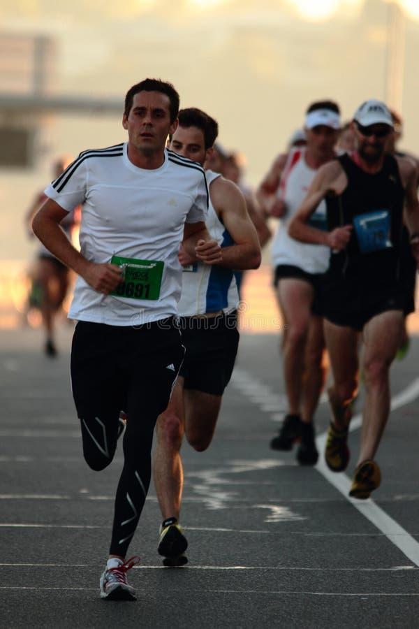 BRISBANE AUSTRALIEN - SEPTEMBER 02: Oidentifierade löpare som deltar i arkivbilder