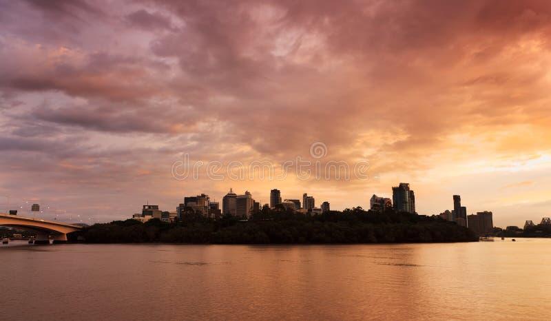 Download Brisbane soluppgång fotografering för bildbyråer. Bild av intresse - 19792933