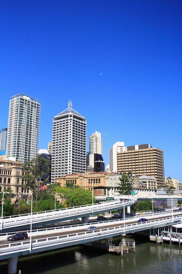 Brisbane-Stadt-Datenbahn lizenzfreie stockfotos