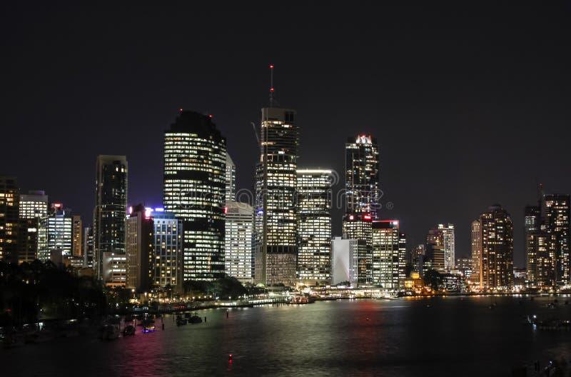 Brisbane-Stadtnachtansicht stockfotos