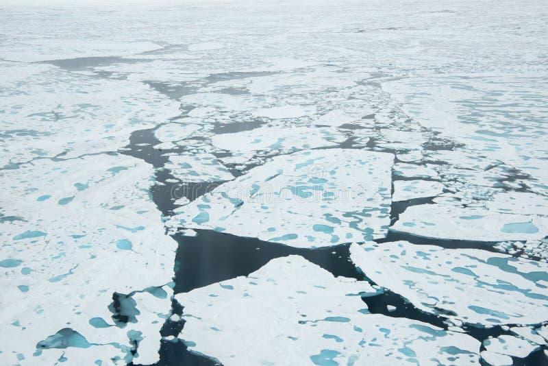 Brise-glace dans la glace images libres de droits
