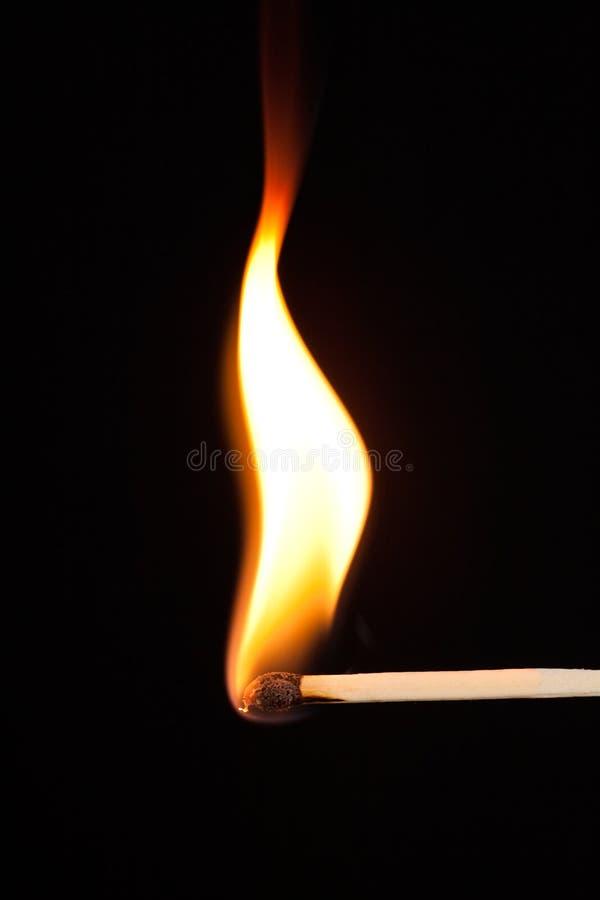 bristning av flammamatchen fotografering för bildbyråer