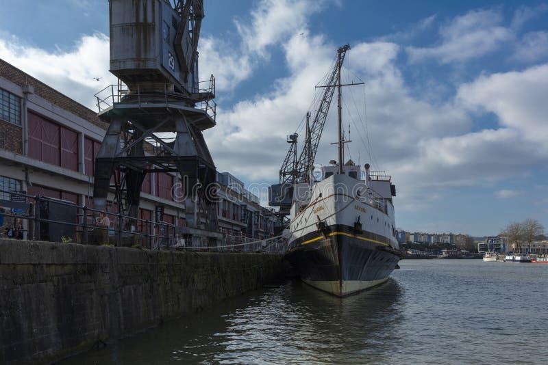 Bristol Förenade kungariket, Februari 23rd 2019, skepp för millivolt Balmoral på M Shed Museum på den Wapping hamnplatsen fotografering för bildbyråer