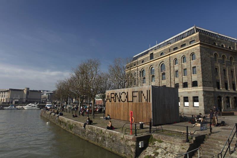 Bristol, Kingdrom unido, el 23 de febrero de 2019, centro de Arnolfini para los artes contemporáneos en Bristol fotografía de archivo