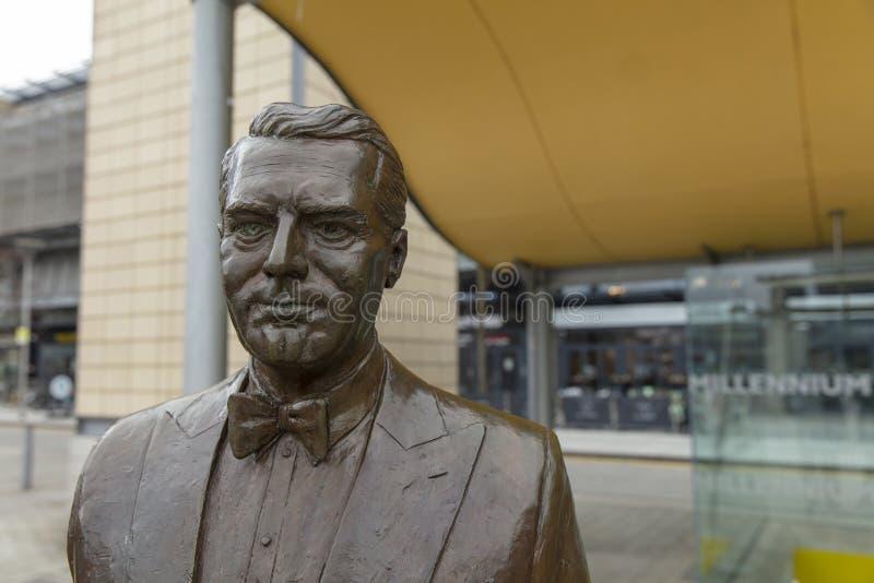 Bristol, Regno Unito, il 21 febbraio 2019, statua commemorativa di Archibald Leach aka Cary Grant fotografia stock libera da diritti