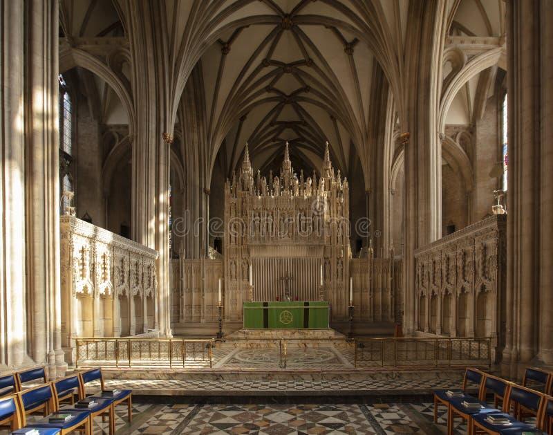 Bristol, Reino Unido, febrero de 2019, vista del altar en Bristol Cathedral imagen de archivo libre de regalías