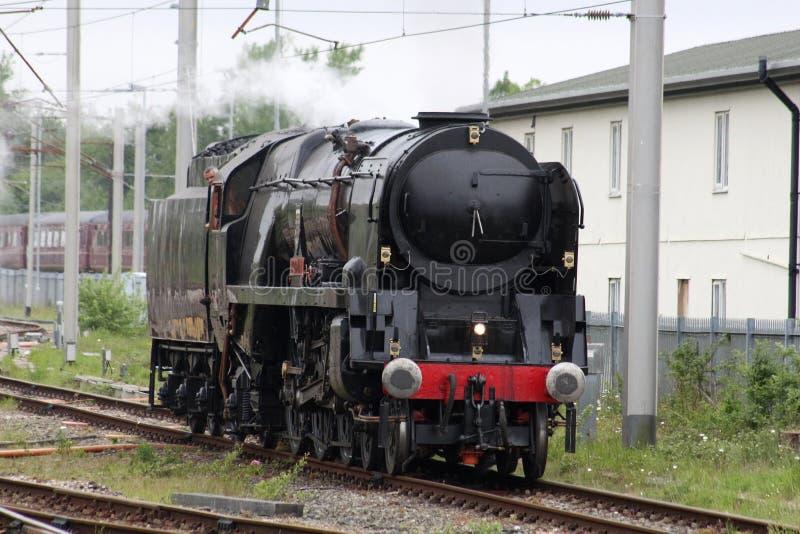 Britisch-Indien-Linie Dampflokomotive, die Prüfung durchmacht stockfotos