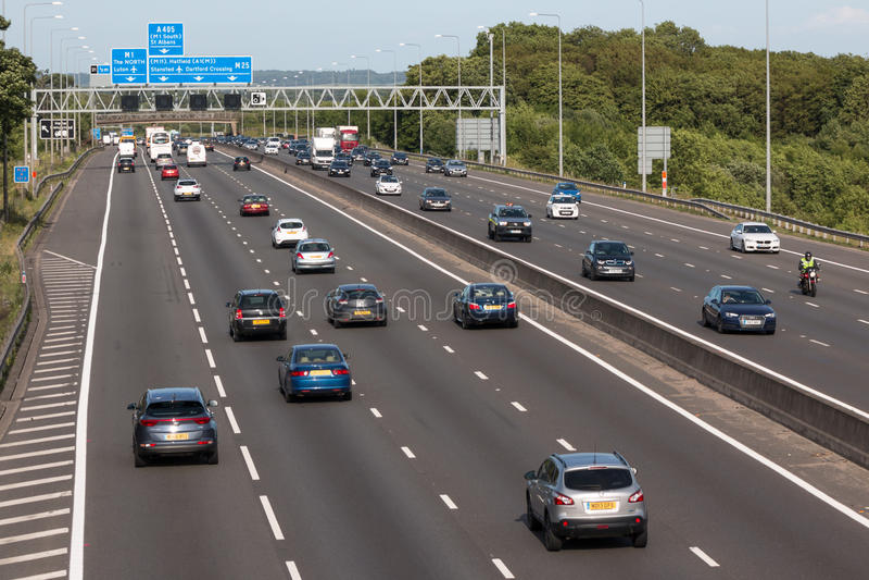 Britische Autobahn M25 lizenzfreies stockfoto