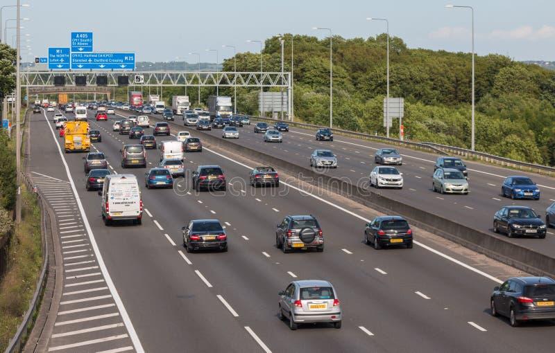 Britische Autobahn M25 stockfotos