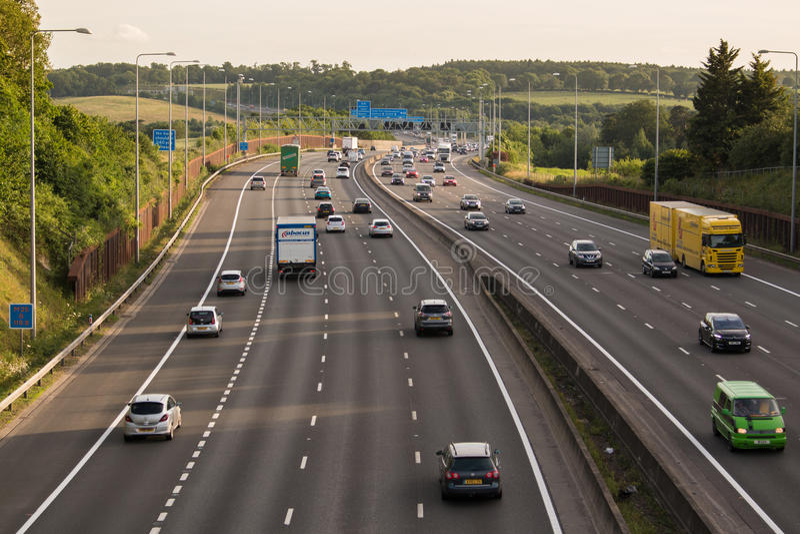 Britische Autobahn M25 stockfotografie