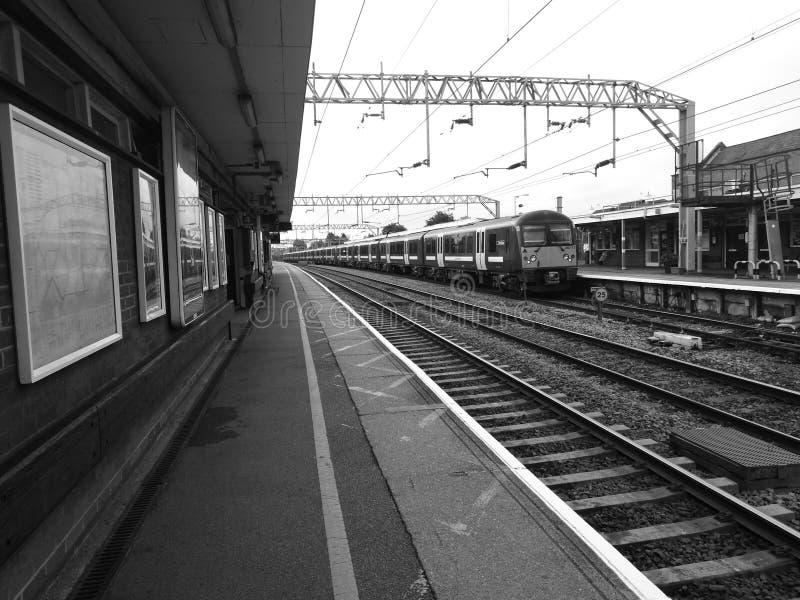 Britische Bahnstation Essex Schwarzweiss stockbilder