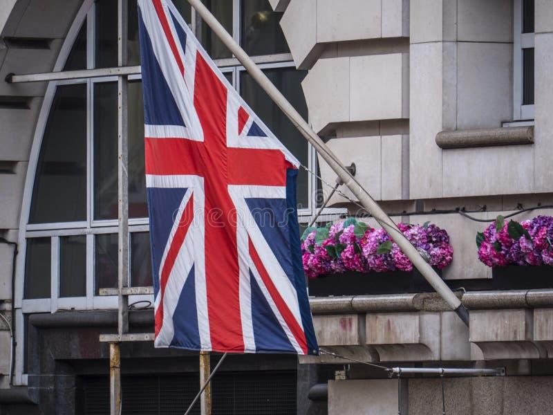 Britische Flagge auf einem Gebäude in London stockfoto