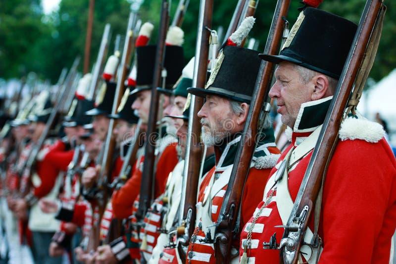 Britische Soldaten in der Wiederinkraftsetzung stockfotos