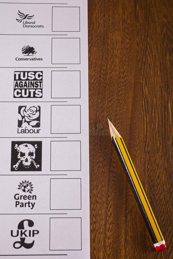 BRITISCHER Stimmzettel für eine Parlamentswahl lizenzfreie stockfotos