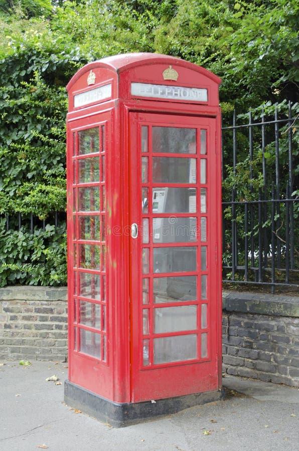 Britischer Telefon-Stand stockbilder