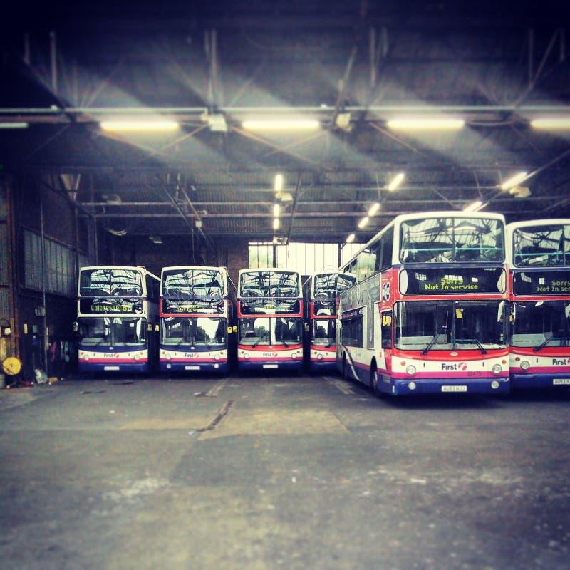 britisches Bus-Depot lizenzfreies stockfoto