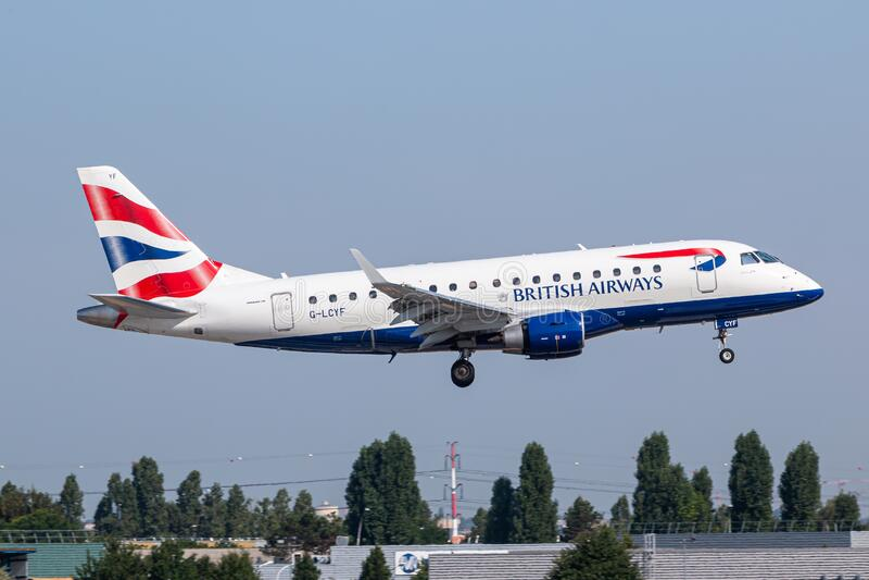 British Airways Aeroplano Embraer E170 a Parigi Orly fotografie stock libere da diritti