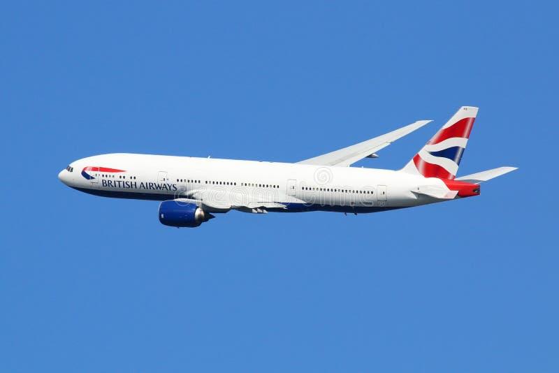 British Airways-airpor van vliegtuigboeing 777-200ER Londen Heathrow stock foto's