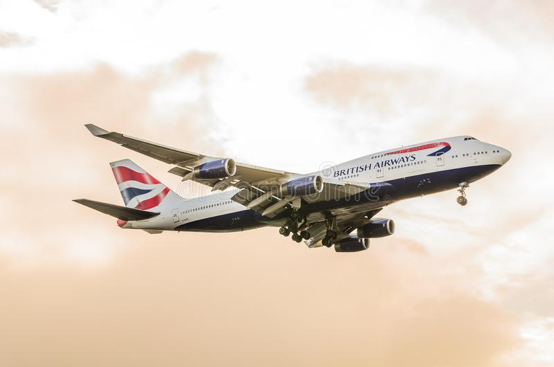 British Airways 747 d?barquant chez Heathrow photos libres de droits