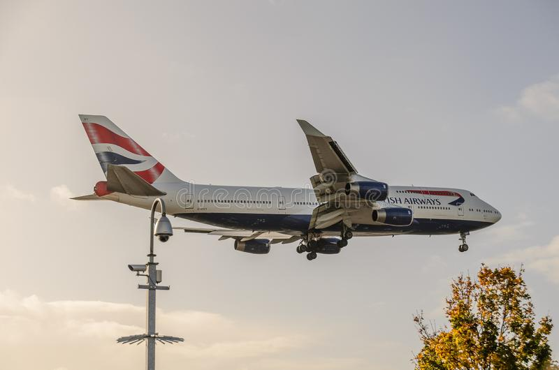British Airways 747 d?barquant chez Heathrow image libre de droits