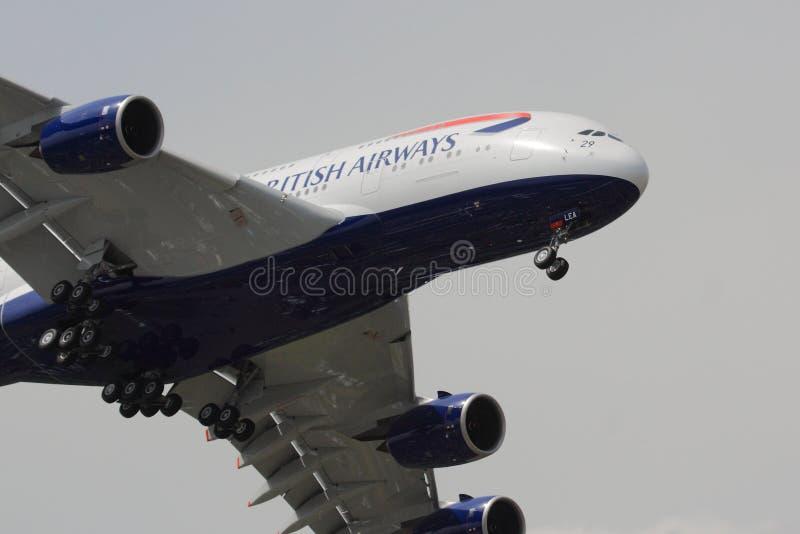 British Airways flygbuss A380 på inställning royaltyfri foto