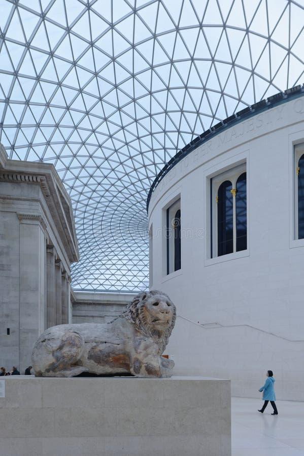 British Museum, England vergittern Sie Dach, kaltes Englisch des Besuchers lizenzfreie stockfotografie