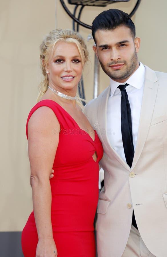 Britney Spears och Sam Asghari arkivbild