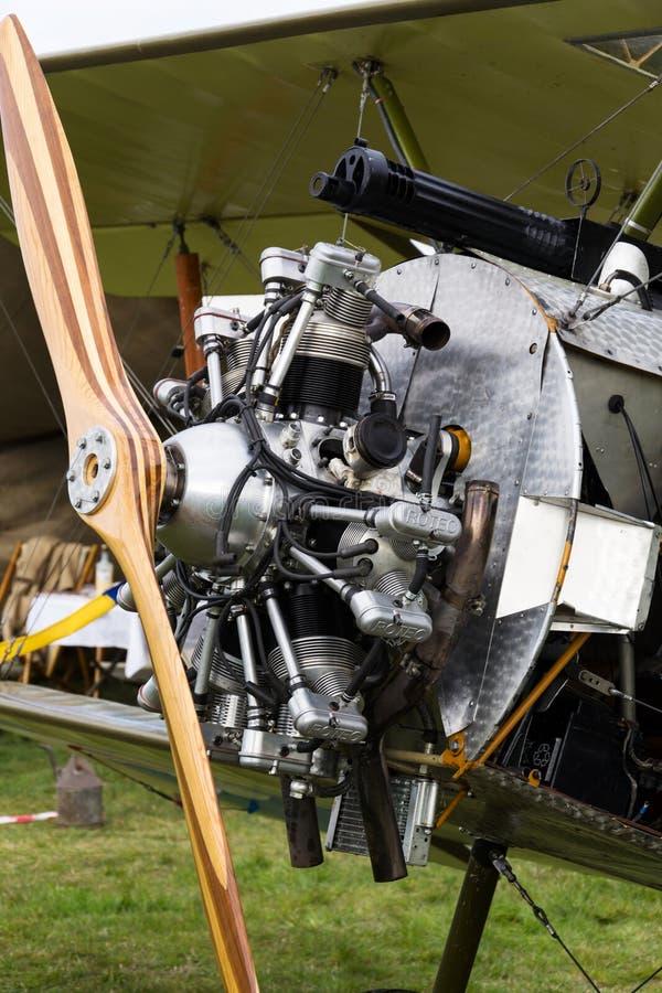 Britse tweedekkervliegtuigen van de Eerste replica van Wereldoorlogsopwith Strutter stock foto's