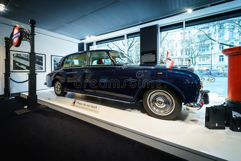 Britse ultra-exclusieve limousine Rolls-Royce Phantom VI, 1970 royalty-vrije stock fotografie