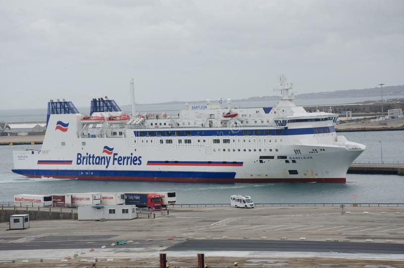 Brittany Ferries Ship Barfleur i port Cherbourg arkivbild