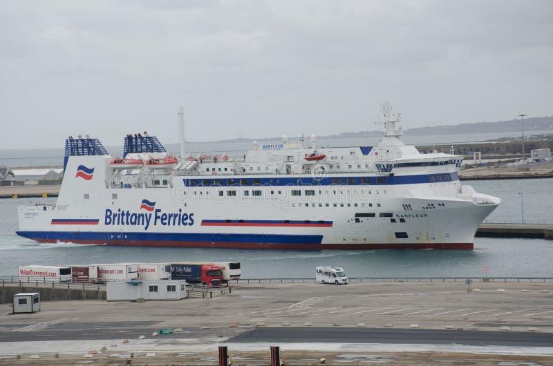 Brittany Ferries Wysyła Barfleur w portowym Cherbourg fotografia stock