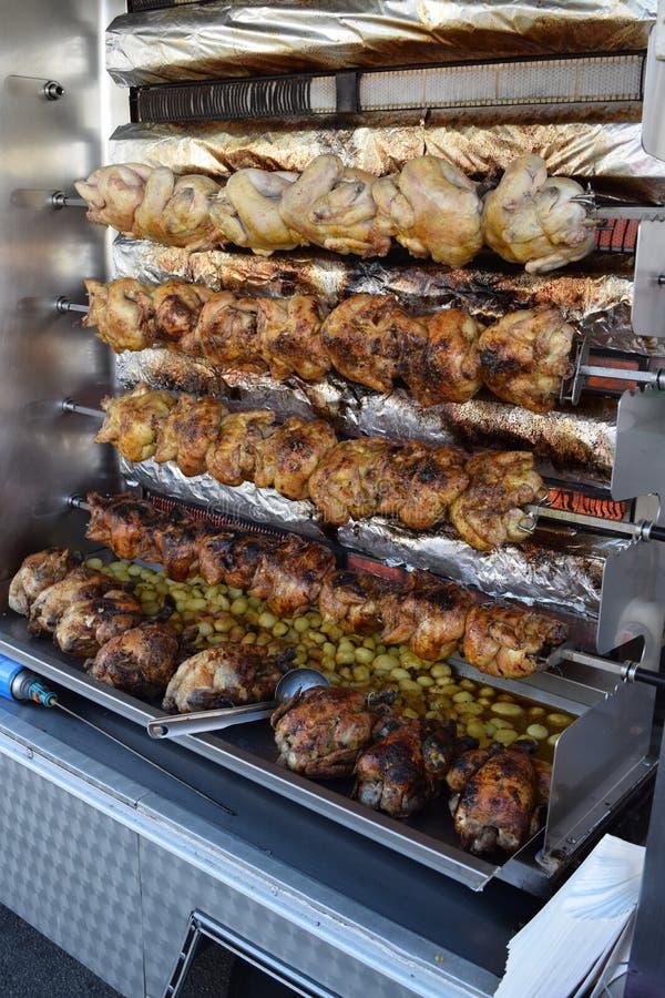 Brittany francuza rynku rolników kurczaka rotisserie zdjęcia stock